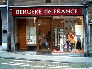 Vitrine : BERGERE DE FRANCE